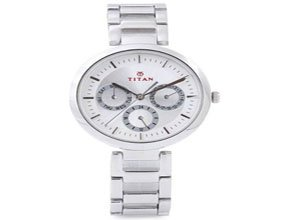 Titan NF2480SM03 Tagged Analog Watch At Rs.2695